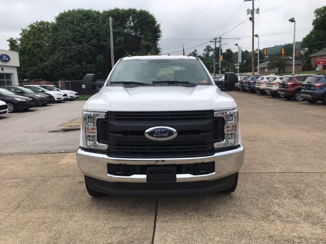 2018 F-250 Crew Cab 4x4,  Reading Service Body #B98875 - photo 3