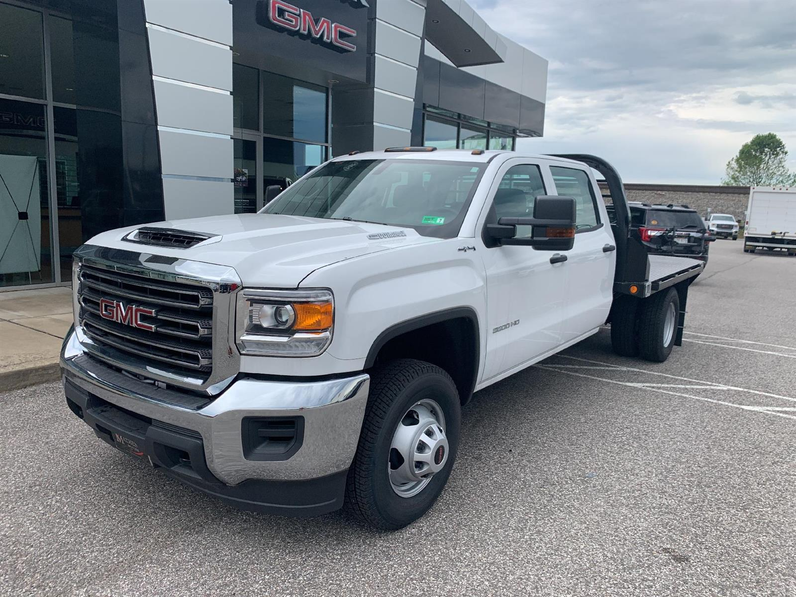 2019 GMC Sierra 3500 Crew Cab DRW 4x4, Reading Redi-Dek Platform Body #254765 - photo 1