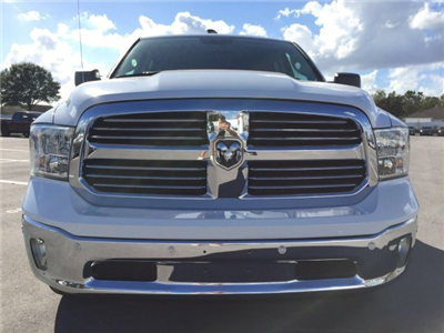 2017 Ram 1500 Crew Cab 4x4, Pickup #CD10768 - photo 4