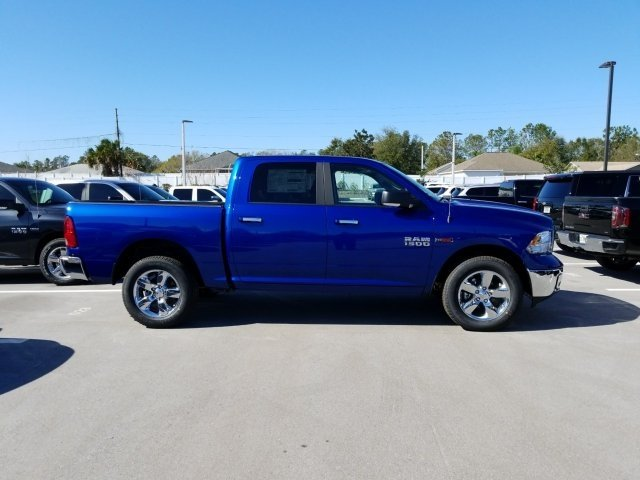 2017 Ram 1500 Crew Cab 4x4, Pickup #CD10949 - photo 4