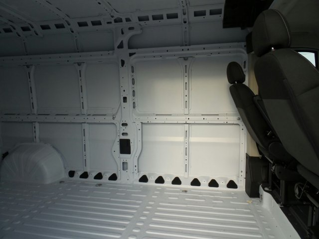 2018 ProMaster 2500 Cargo Van #CD11207 - photo 2