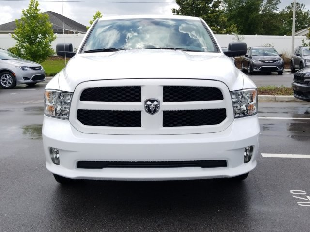 2018 Ram 1500 Crew Cab 4x2,  Pickup #CD11906 - photo 3