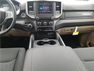2019 Ram 1500 Crew Cab 4x2,  Pickup #CD11922 - photo 7