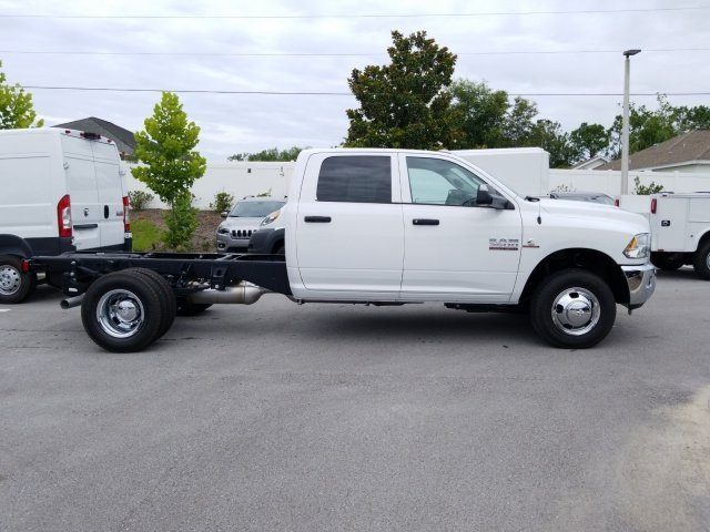 2018 Ram 3500 Crew Cab DRW 4x4,  Cab Chassis #CD20093 - photo 4