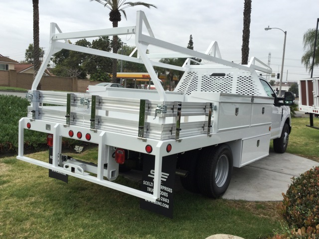 2018 F-350 Regular Cab DRW,  Scelzi Contractor Body #180675 - photo 4