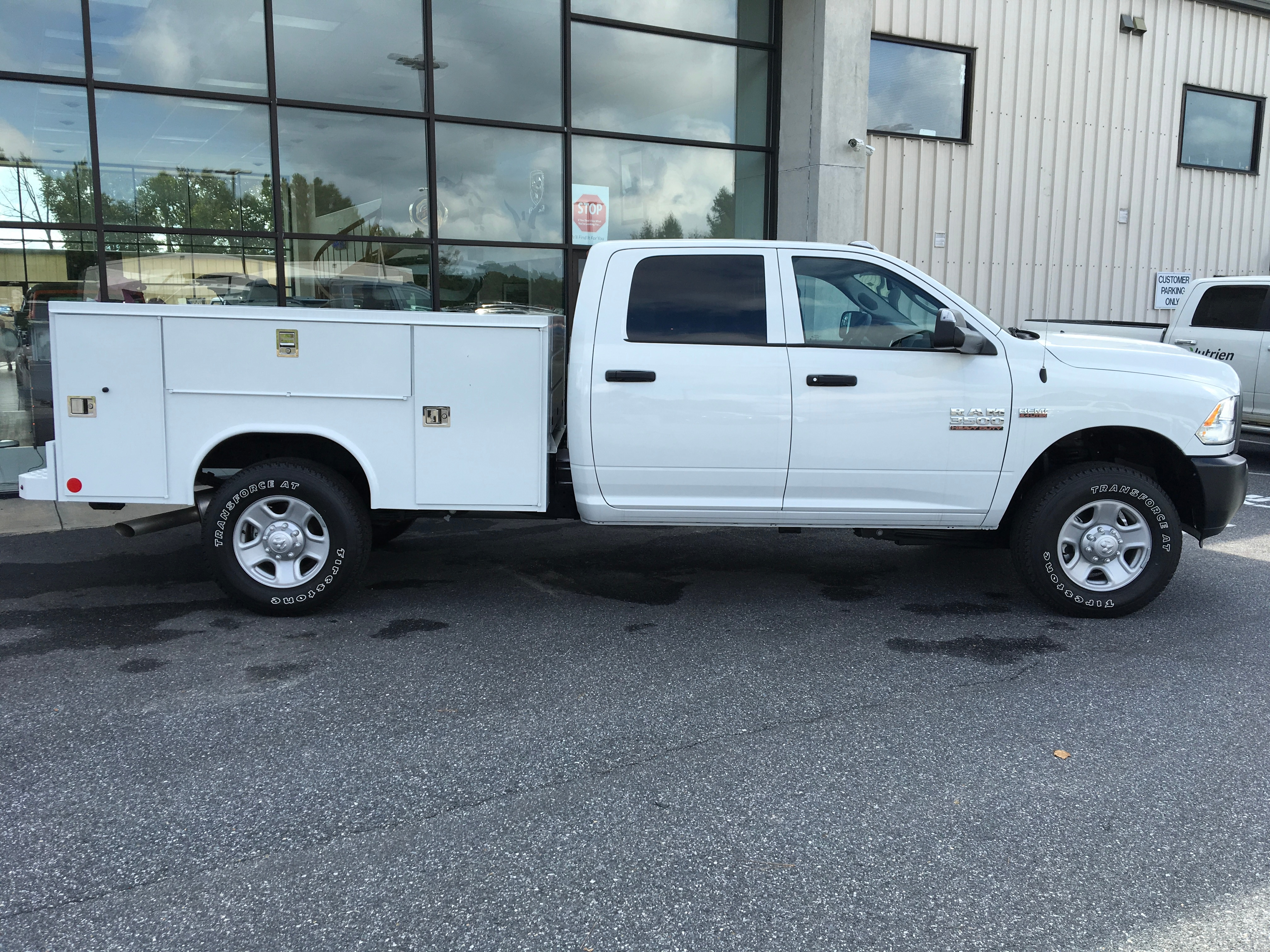 2018 Ram 3500 Crew Cab 4x4,  Reading SL Service Body #18240 - photo 8