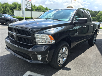 2018 Ram 1500 Crew Cab 4x4,  Pickup #18325 - photo 4