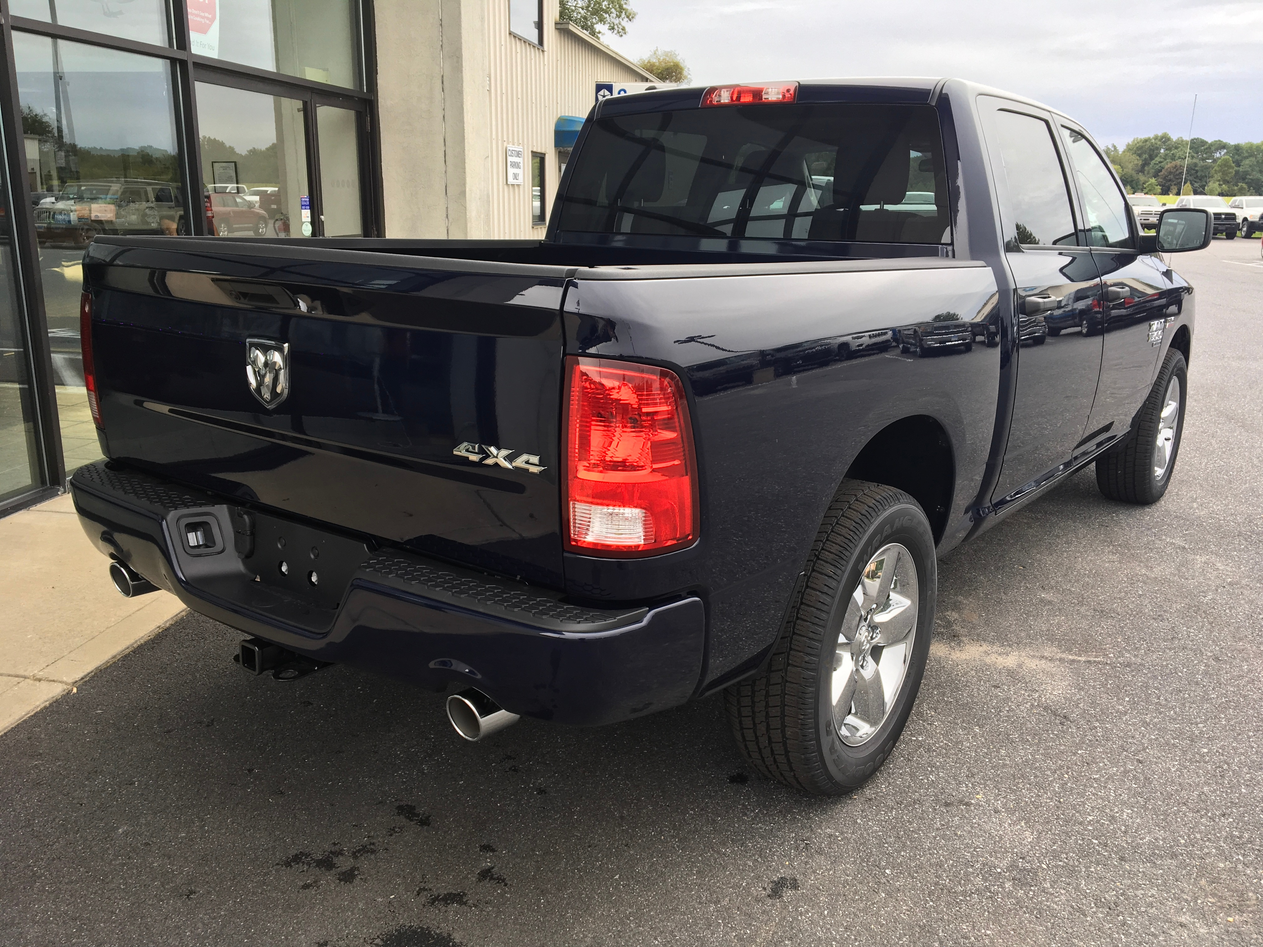 2019 Ram 1500 Crew Cab 4x4,  Pickup #19051 - photo 7