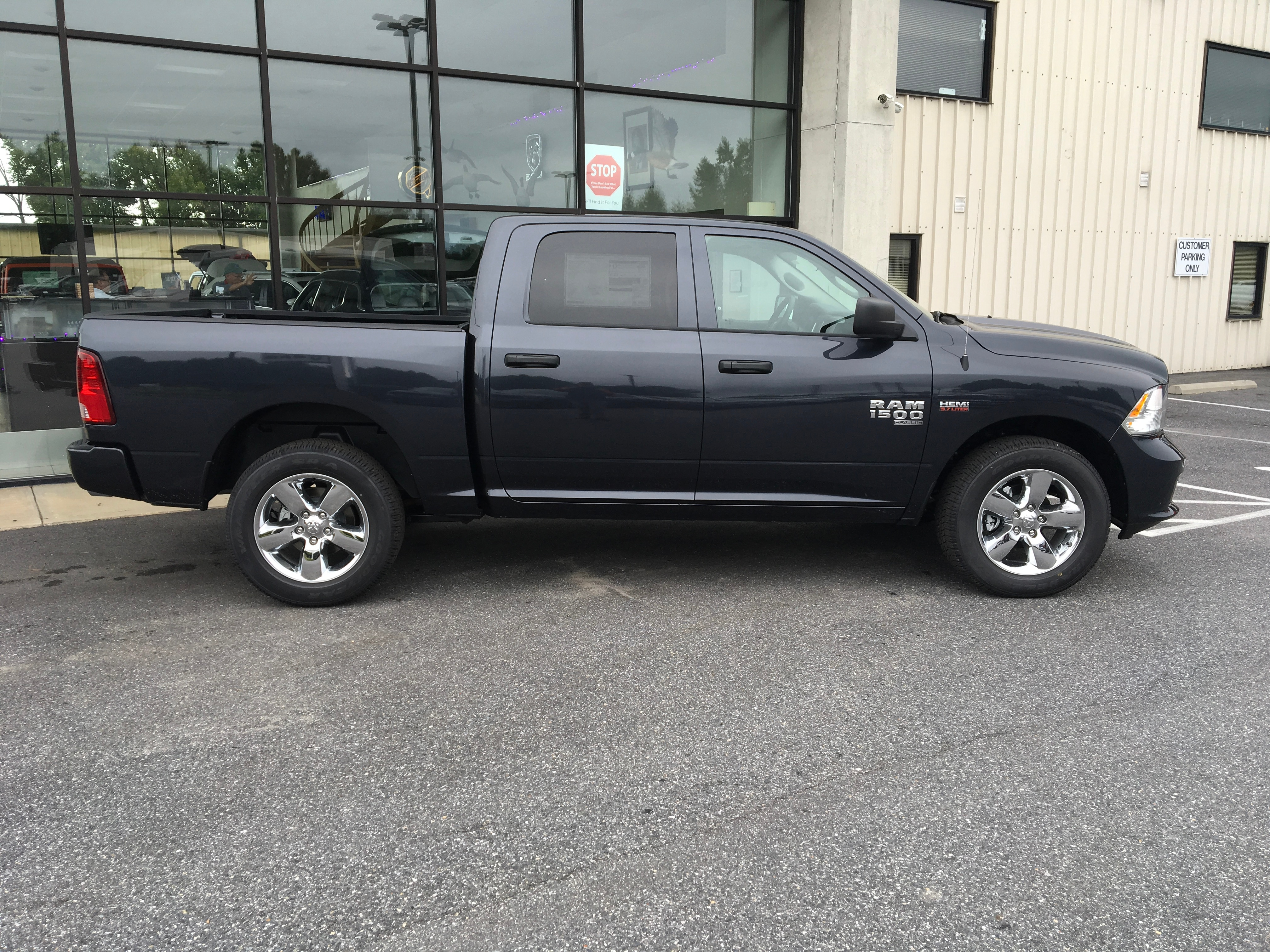 2019 Ram 1500 Crew Cab 4x4,  Pickup #19055 - photo 7