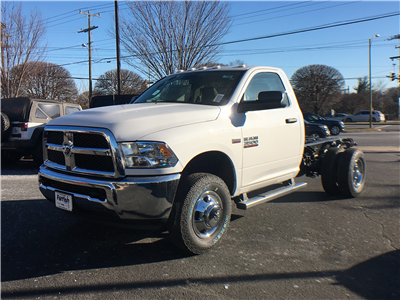 2018 Ram 3500 Regular Cab DRW 4x4, Cab Chassis #D8905 - photo 5