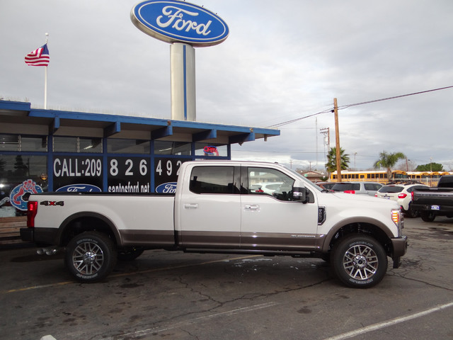 2018 F-250 Crew Cab 4x4, Pickup #JEB11691 - photo 4