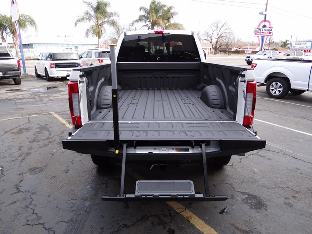 2018 F-250 Crew Cab 4x4, Pickup #JEB11691 - photo 30