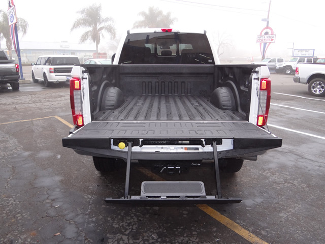 2018 F-250 Crew Cab 4x4, Pickup #JEB30276 - photo 26