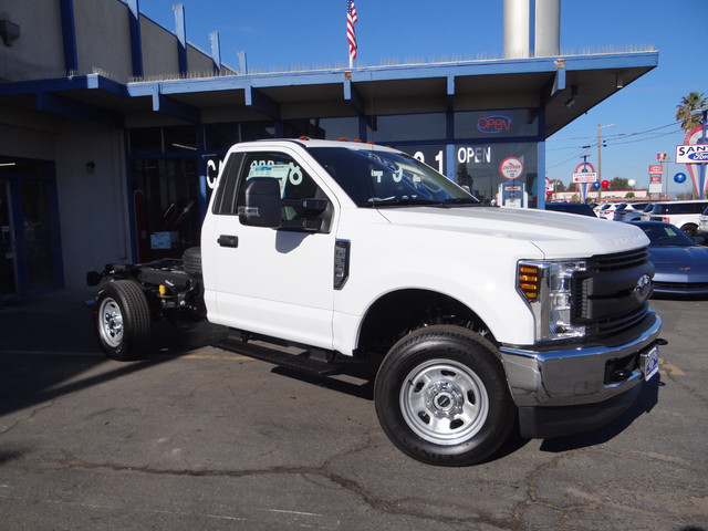 2018 F-350 Regular Cab 4x4, Cab Chassis #JEB84824 - photo 3