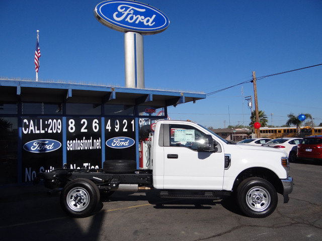 2018 F-350 Regular Cab DRW, Cab Chassis #JEB84825 - photo 4