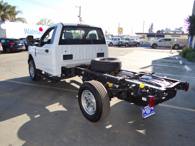 2018 F-350 Regular Cab DRW, Cab Chassis #JEB84825 - photo 7