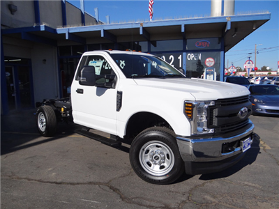 2018 F-350 Regular Cab DRW 4x2,  Cab Chassis #JEB84825 - photo 3