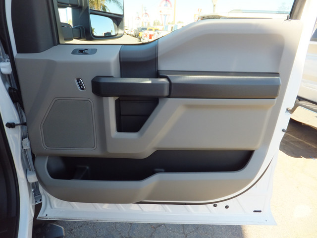 2018 F-550 Regular Cab DRW 4x2,  Cab Chassis #JEB84826 - photo 19