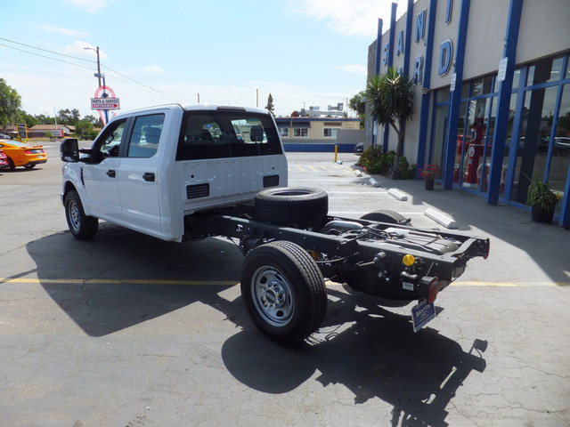 2018 F-350 Crew Cab 4x2,  Cab Chassis #JEB84828 - photo 2