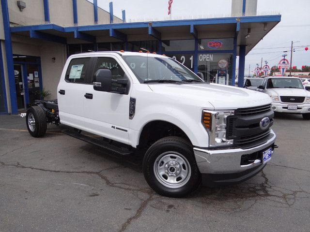 2018 F-350 Crew Cab 4x4, Cab Chassis #JEB84829 - photo 1