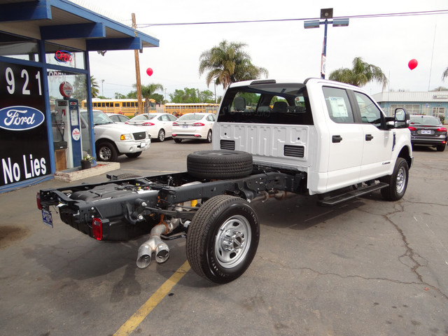 2018 F-350 Crew Cab 4x4,  Cab Chassis #JEB84829 - photo 4