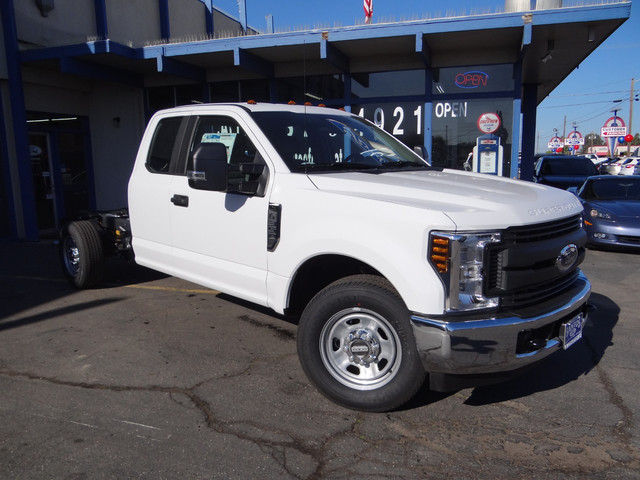 2018 F-250 Super Cab, Cab Chassis #JEB84830 - photo 3