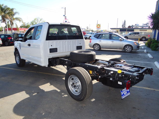 2018 F-250 Super Cab, Cab Chassis #JEB84830 - photo 2