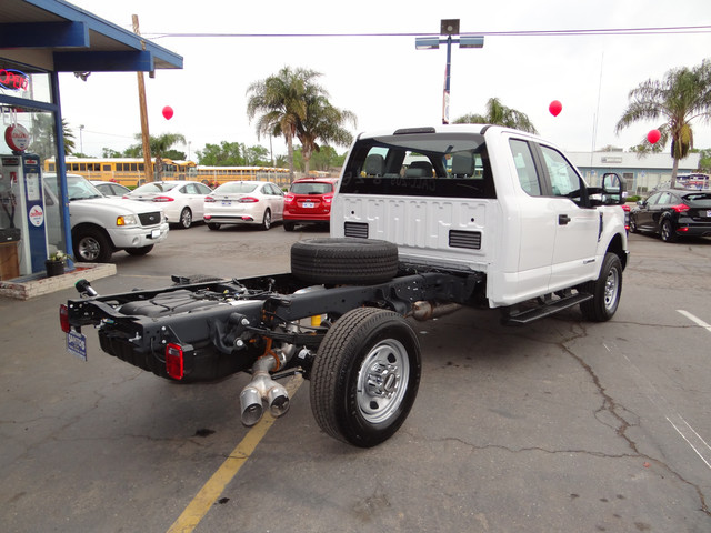 2018 F-350 Super Cab 4x4,  Cab Chassis #JEB84832 - photo 4