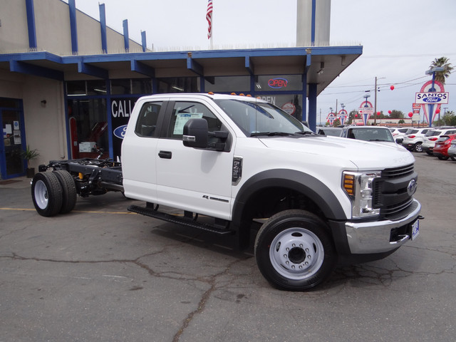 2018 F-450 Super Cab DRW, Cab Chassis #JEB84833 - photo 3