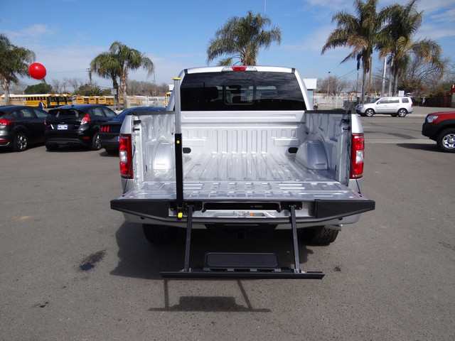 2018 F-150 Crew Cab 4x4, Pickup #JKD45810 - photo 25