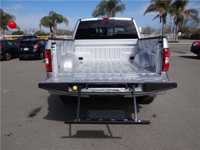 2018 F-150 Crew Cab 4x4, Pickup #JKD45810 - photo 26