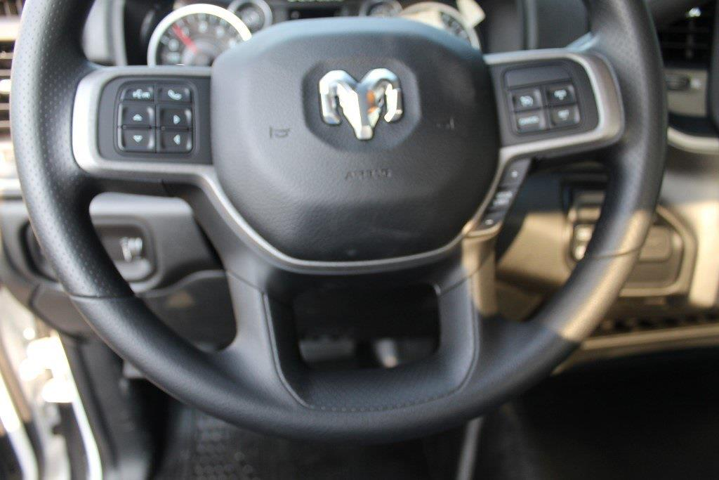 2021 Ram 5500 Regular Cab DRW 4x4,  Cab Chassis #1U9059 - photo 16