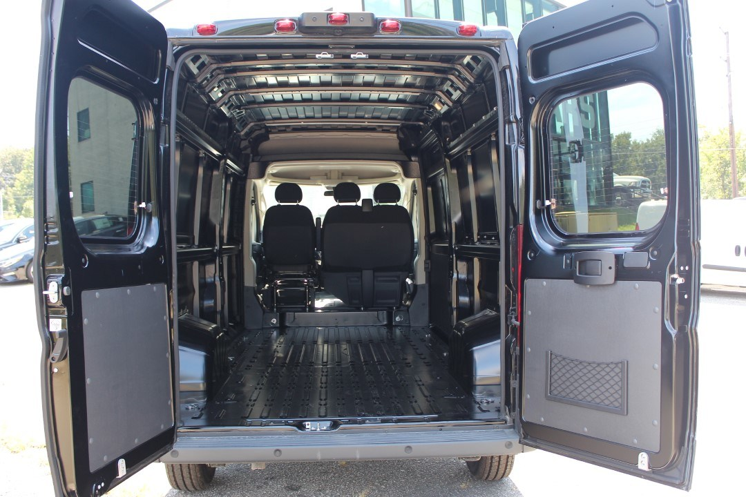 2018 ProMaster 2500 High Roof FWD,  Empty Cargo Van #DJ39550 - photo 2