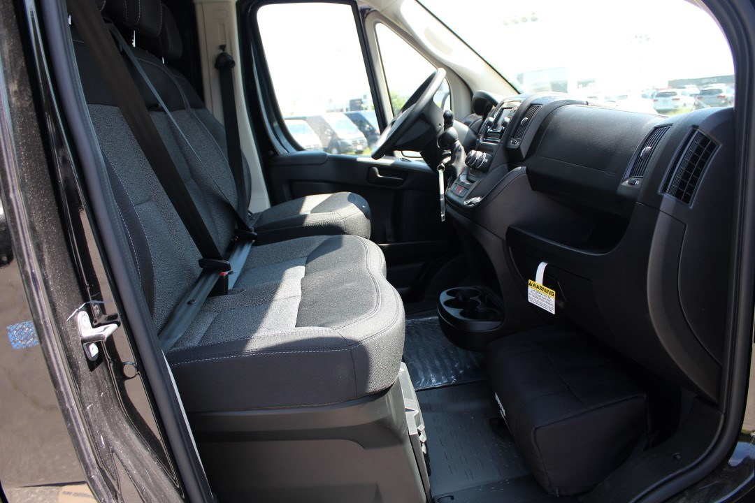 2018 ProMaster 2500 High Roof FWD,  Empty Cargo Van #DJ39550 - photo 9