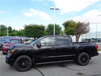 2018 Titan Crew Cab,  Pickup #847000 - photo 3