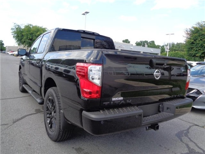 2018 Titan Crew Cab,  Pickup #847000 - photo 2