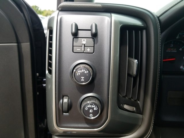 2018 Silverado 1500 Crew Cab 4x4,  Pickup #18T890 - photo 11