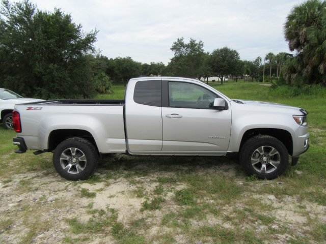 2019 Colorado Extended Cab 4x2,  Pickup #19T76 - photo 3