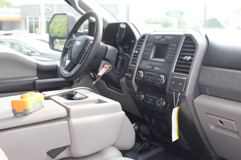2019 F-550 Regular Cab DRW 4x4,  PJ's Landscape Dump #297103 - photo 7