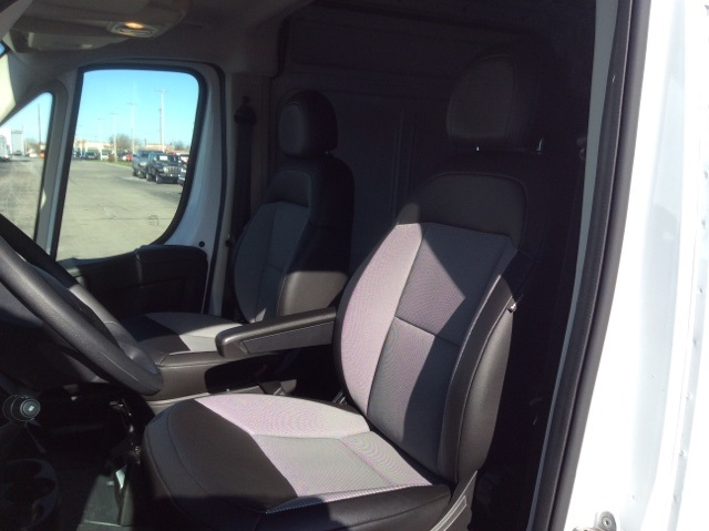 2018 ProMaster 2500 High Roof, Cargo Van #18R111 - photo 18