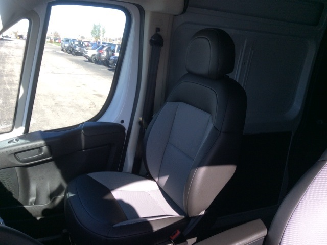 2018 ProMaster 2500 High Roof, Cargo Van #18R111 - photo 22
