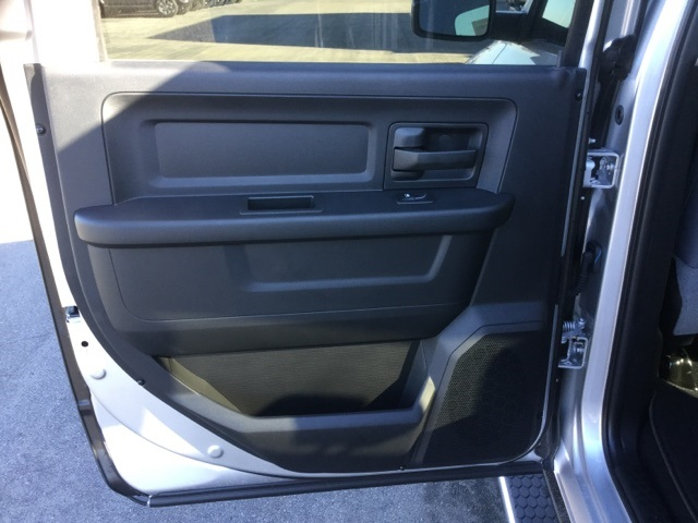 2018 Ram 1500 Crew Cab 4x4, Pickup #18R210 - photo 22