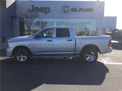 2018 Ram 1500 Crew Cab 4x4, Pickup #18R210 - photo 13