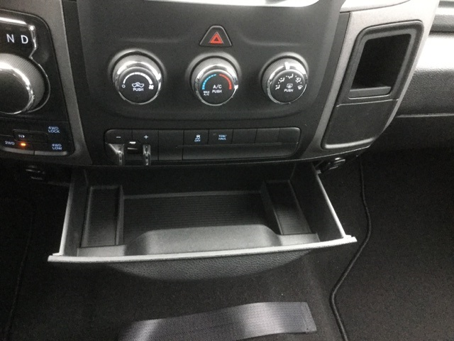 2018 Ram 1500 Crew Cab 4x4, Pickup #18R228 - photo 47