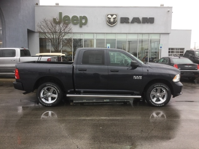 2018 Ram 1500 Crew Cab 4x4, Pickup #18R228 - photo 6
