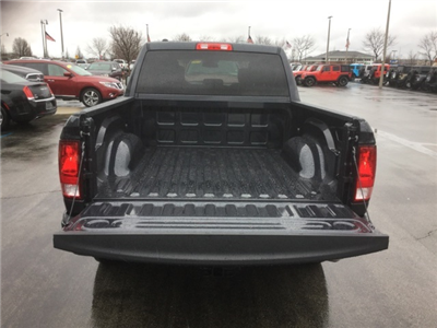 2018 Ram 1500 Crew Cab 4x4, Pickup #18R228 - photo 9