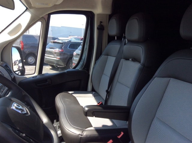 2018 ProMaster 3500 High Roof FWD,  Empty Cargo Van #18R252 - photo 18