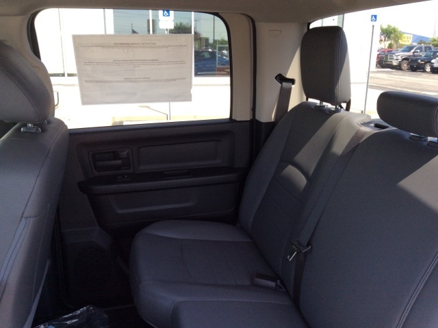 2018 Ram 1500 Crew Cab 4x2,  Pickup #18R303 - photo 18