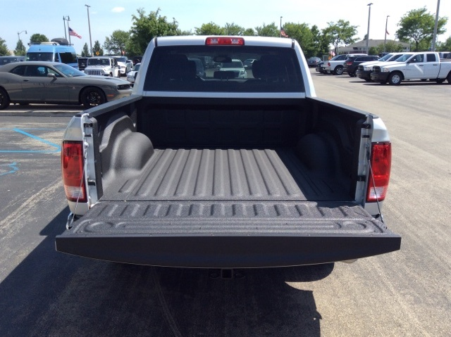 2018 Ram 1500 Crew Cab 4x2,  Pickup #18R303 - photo 9