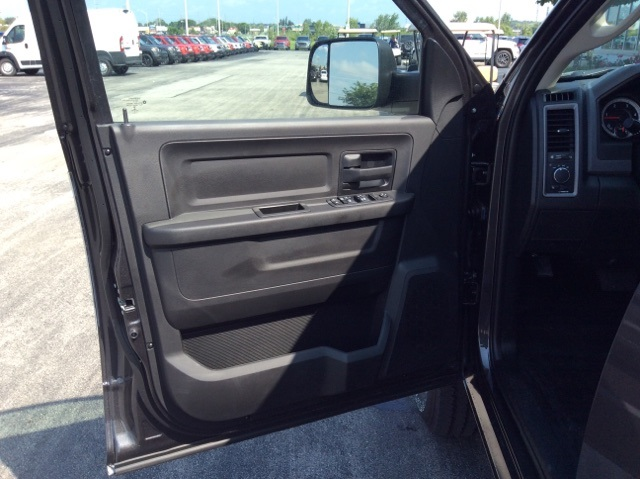 2018 Ram 3500 Crew Cab 4x4,  Pickup #18R336 - photo 25